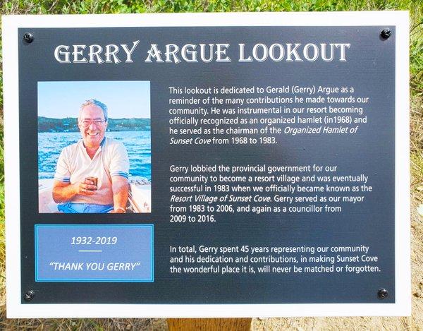 Gerry Argue outlook - plaque - Jennifer Huber.jpg