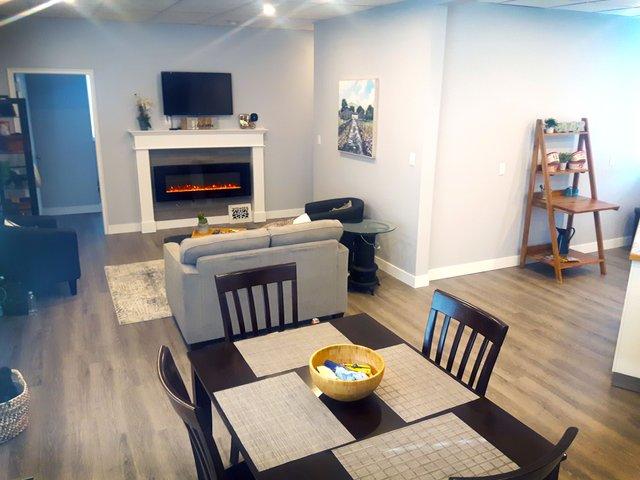 Upper Attic Suite -  livingroom.jpg