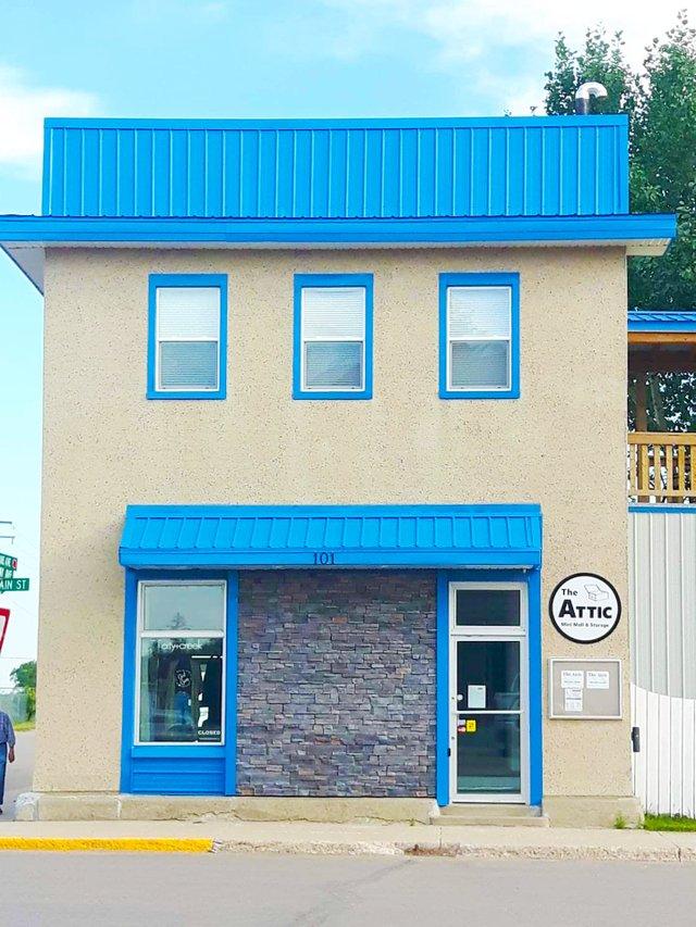 Upper Attic Suite - building exterior photo.jpg