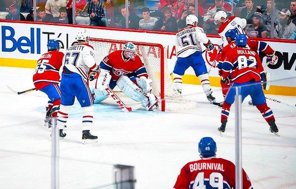 800px-Montreal_Canadiens_practice.jpg