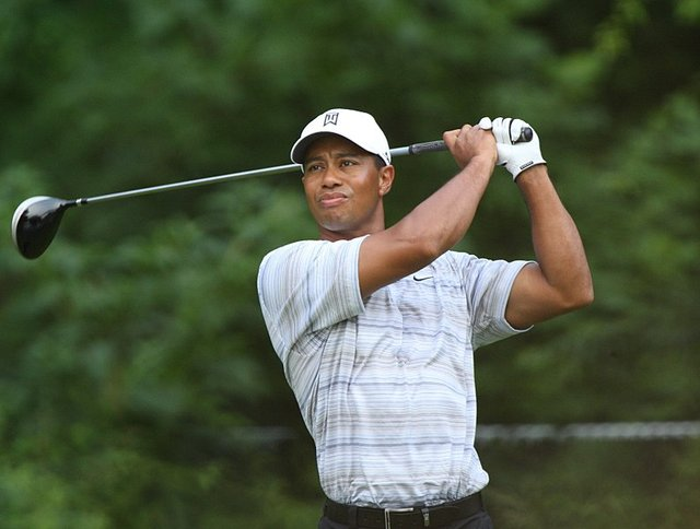 793px-Tiger_Woods_drives_by_Allison.jpg