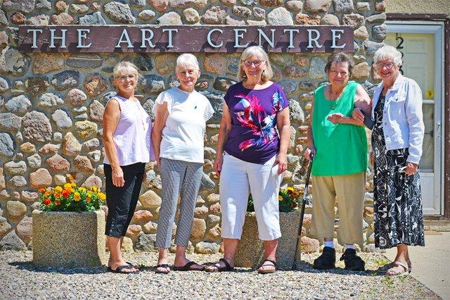 Regina Beach Lioness Club Bids Adieu - Cheque donation to Arts and Crafts - july 12 2021.jpg