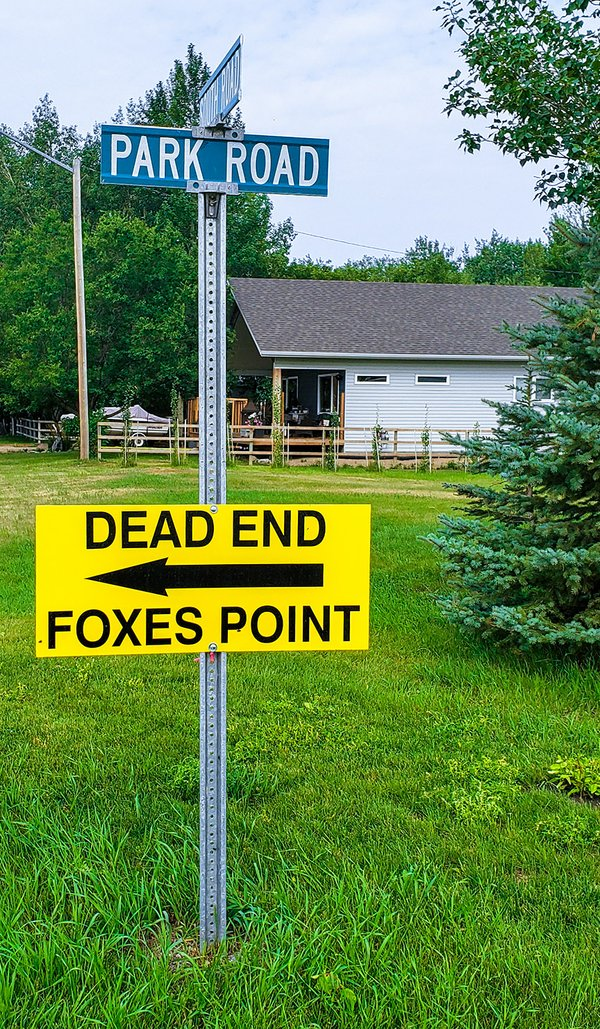 Field Trip to Fox's Point - Foxes Point Sign - July 28 2021 - Aug 2 2021.jpg